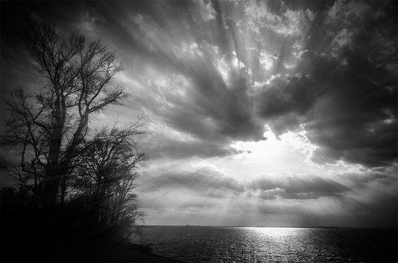 Broken Throne Clouds B&W